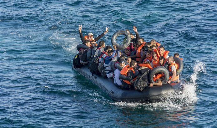 Vluchtelingen op de Middellandse Zee.