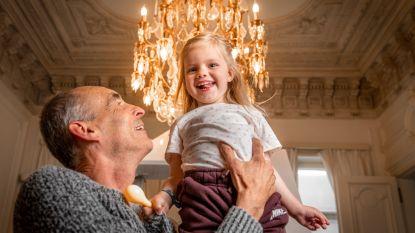 """Dirk loopt Iron Man voor ziek dochtertje (3) collega: """"Samen met Collette over de meet, dat gaat zo schoon zijn"""""""