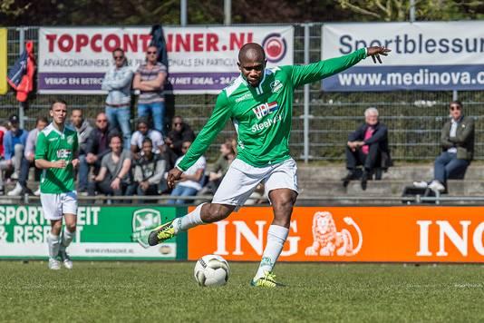 Amoah in het shirt van Baronie, seizoen 2015/16.