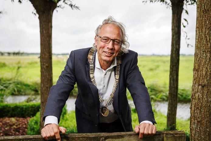 Burgemeester Victor Molkenboer langs de Meije.