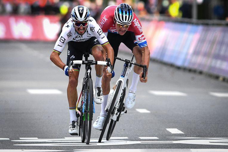 Julian Alaphilippe was vorig jaar sneller dan Mathieu van der Poel. Beeld BELGA
