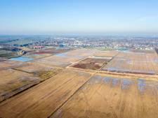 Verdeelde raad steunt De Klein in zandkwestie Beuningse Plas