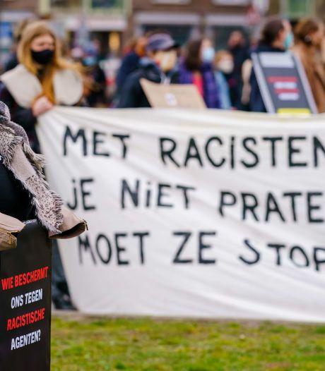 'Racistisch appende agenten horen niet meer op straat'