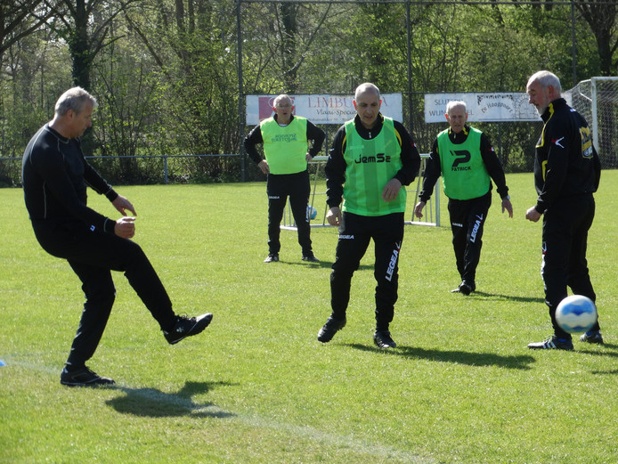 Walking football in Breda. Foto ter illustratie.