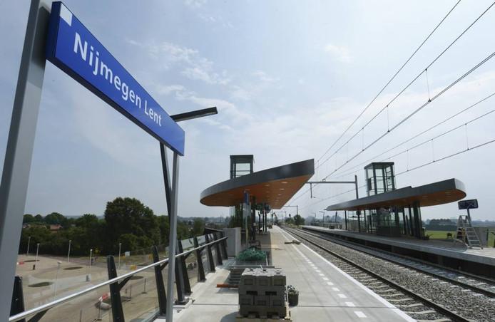 Het station Nijmegen Lent.