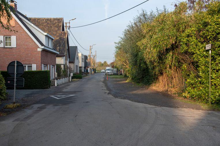 De Molenakkerweg in Wetteren.
