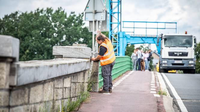 """Maasbrug in Maaseik al vanaf vandaag weer toegangkelijk voor alle verkeer: """"Veilig genoeg"""""""