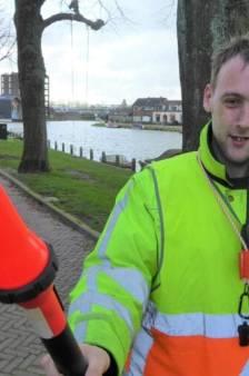Alexander gaat alle ongelukken in Woerden af: 'Het is mijn volledige daginvulling'