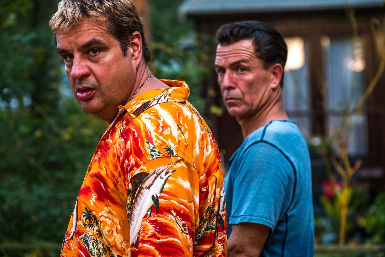 Franks Lammers en collega Raymond Thiry als John Zwart.