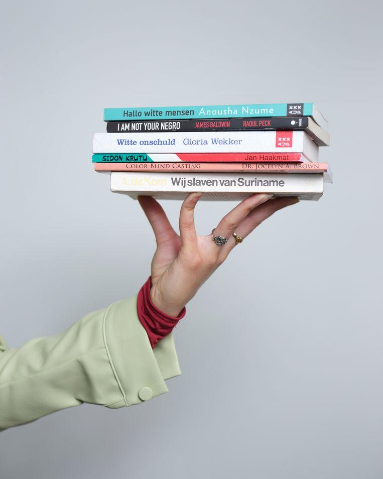 Delima's inspirerende boekenlijst. Beeld Erik Smits