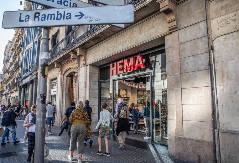 Spaanse Hema in Barcelona vlak bij de Ramblas en Plaza de Catalunya. Beeld Rias Immink / HH