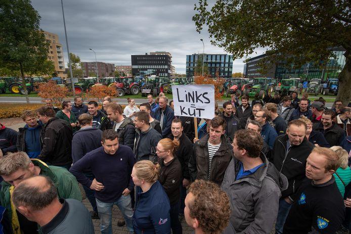 Een eerder boerenprotest, bij het provinciehuis in Lelystad.
