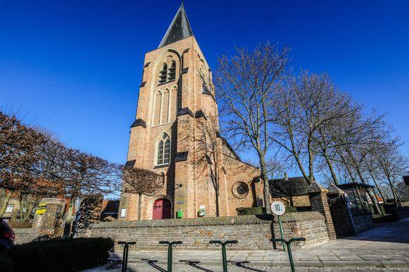 De kerk van Sint-Pieters-Kapelle vormt straks het decor van een modeshow.