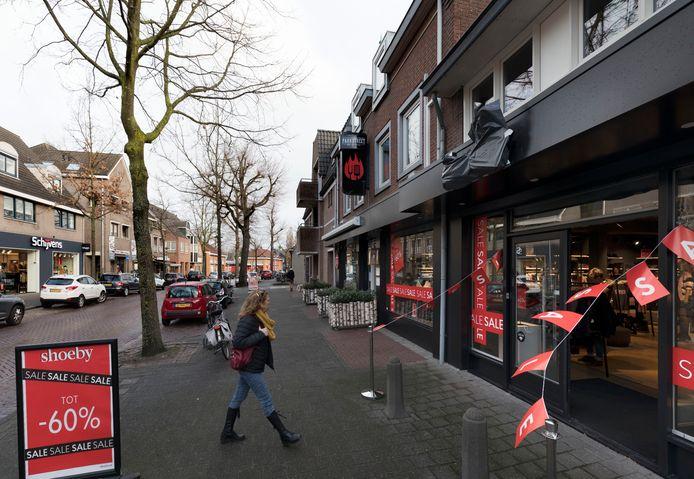 Uit protest tegen het centrummanagement plakten winkeliers in de Parkstraat eerder dit jaar hun gevelreclame aF