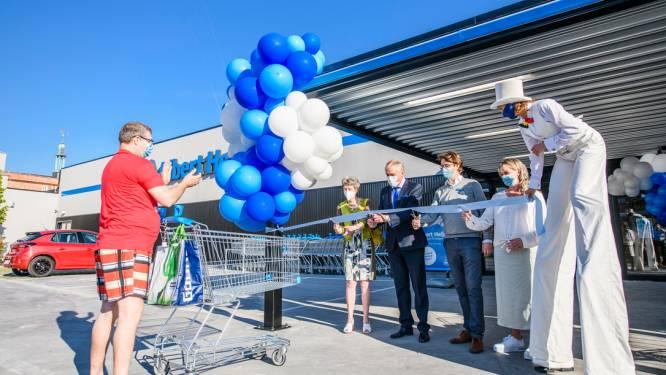 Feestelijke opening nieuwe Albert Heijn op Bredabaan in Merksem