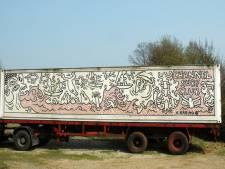 Venduehuis veilt container van Keith Haring