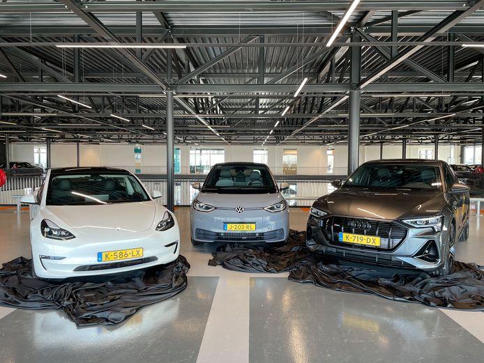 De drie winnaars van links naar rechts: Tesla Model 3, VW ID.3 en Audi E-tron