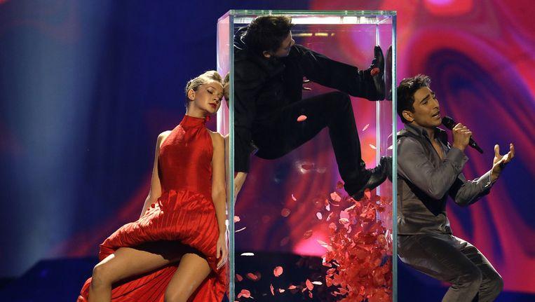 Farid Mammadov treedt op voor Azerbeidzjan op het Eurovisie Songfestival. Beeld AP