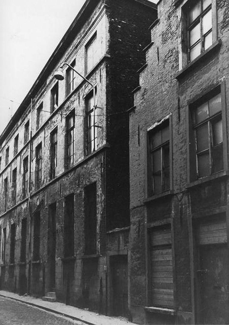 Willem Verhulst en Hermina Wijers verhuizen bij het begin van de oorlog naar dit pand in Gent. Vier decennia later neemt Stefan Hertmans er zijn intrek in.    Beeld RV