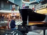 Farid begon zijn pianodroom tussen de winkels van Plaza