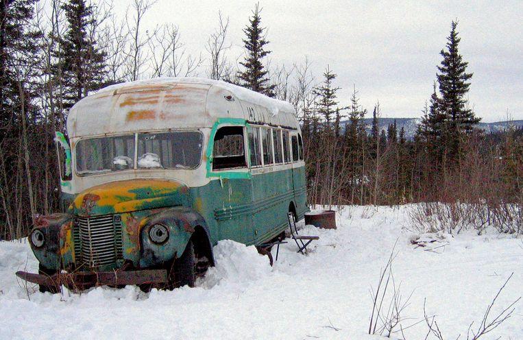 De verlaten bus van Christopher McCandless in de wildernis van Alaska. Beeld AP