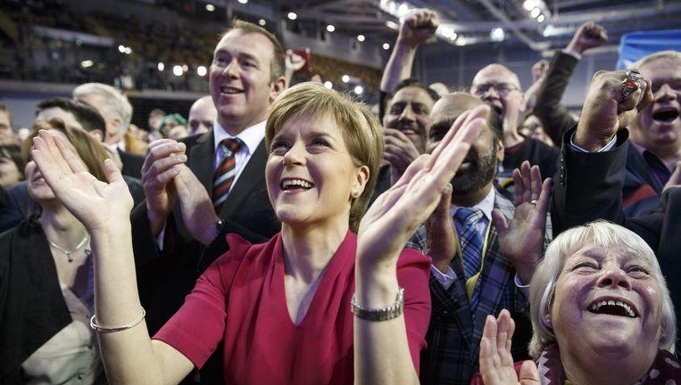 Leider van de SNP, Nicola Sturgeon, viert het succes. Beeld epa