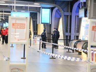 Treinen richting kust worden extra in de gaten gehouden, politie houdt ook  coronacontroles in stations
