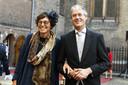 Arie Slob (Basis- en Voortgezet Onderwijs en Media) en partner arriveren bij de Ridderzaal op Prinsjesdag.