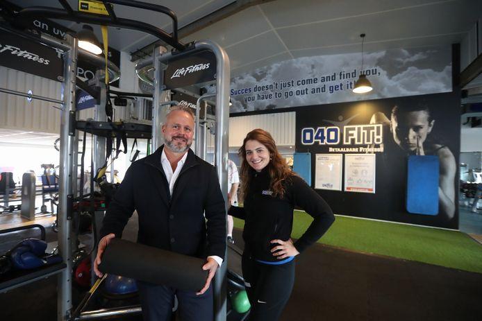 Eigenaar Louis Manche met bedrijfsleidster Cheryl van Moorsel in fitnesszaak 040Fit Heeze.