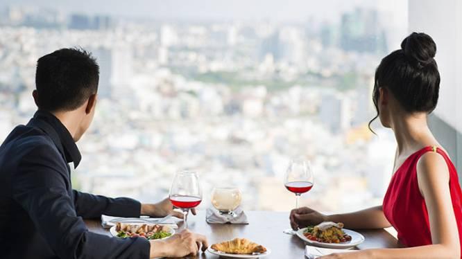 Waarom je beter aan het raam zit op restaurant
