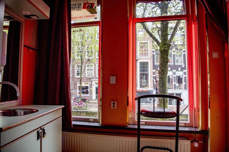 Een peeskamer op de Amsterdamse Wallen. Sekswerkers mogen alweer aan de slag, slagwerkers nog niet. Beeld ANP