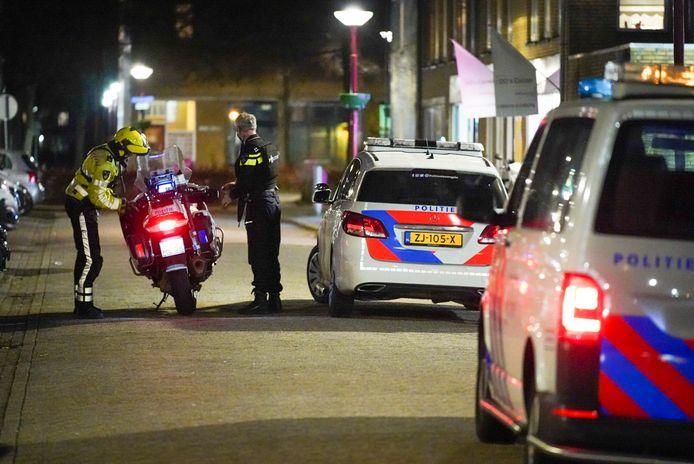 Met verschillende auto's ging de politie naar de Rapenburgerschans in Nieuwegein.