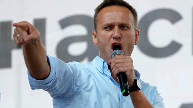 Russische oppositieleider Navalny uit kunstmatige coma gehaald