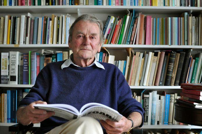 'Prof. dr. Harry Kuitert (1924-2017) heeft een verrassend idee over geloof en de bijbehorende dogma's.'