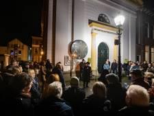 Opperrabijn ontsteekt het licht in Kampen: 'We mogen elkaar altijd het goede toewensen'