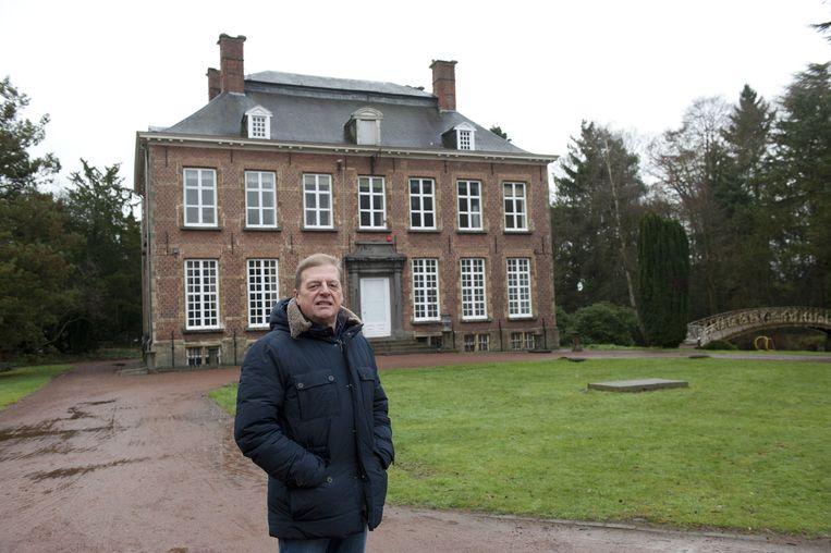Schepen René Kets aan het Kasteel van Berlare. Dat krijgt een functie als trouwzaal, bureauruimte en vergaderzaal.