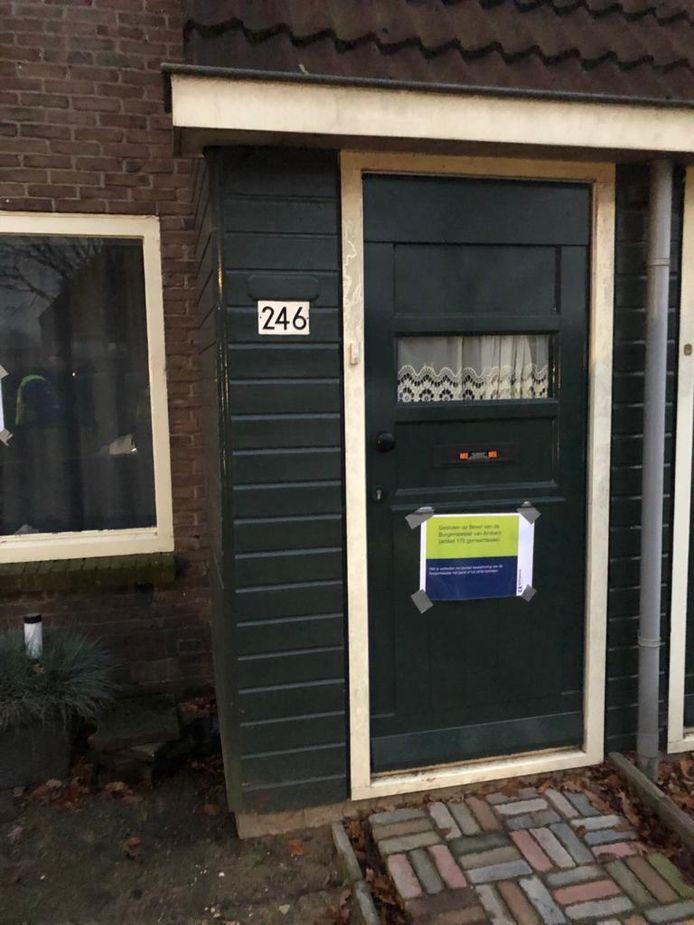 De deur van de gesloten woning in de Arnhemse wijk Geitenkamp.