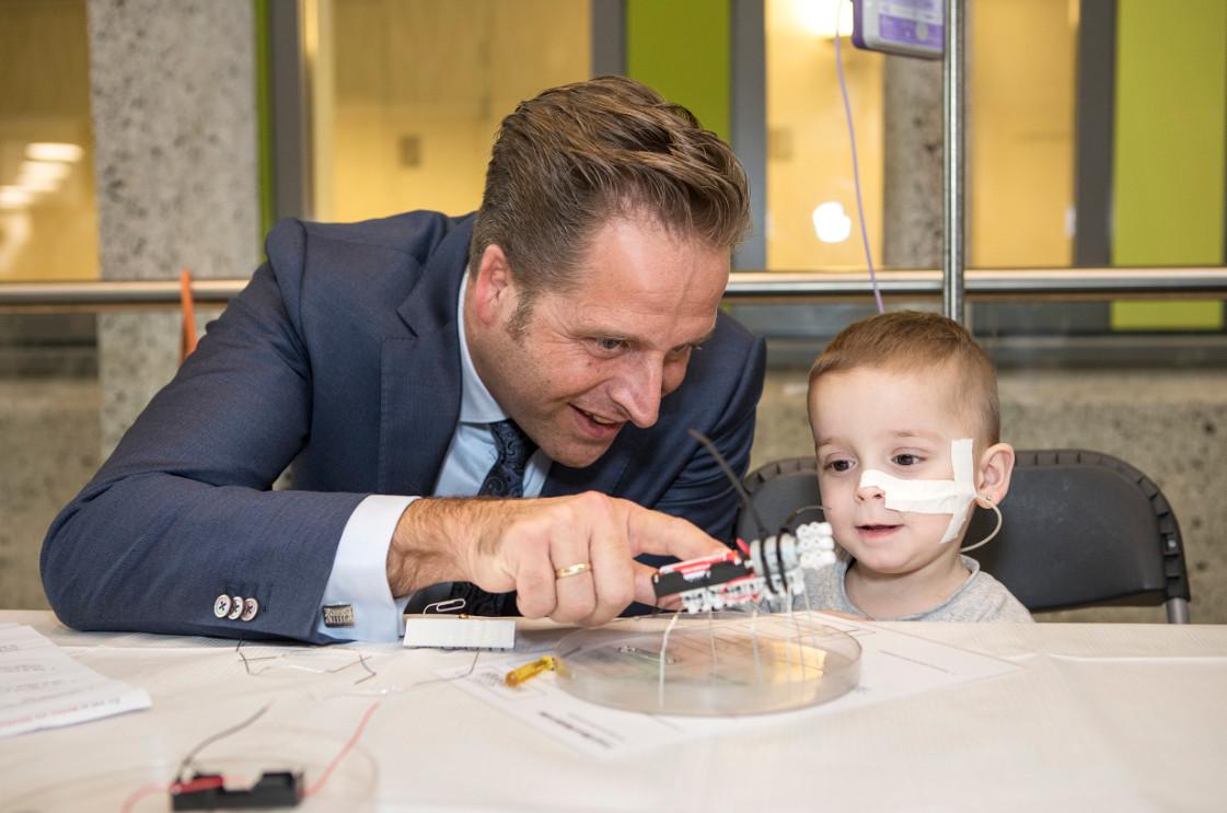 Minister de jonge op bezoek ik Haga Ziekenhuis e-healthweek 2018