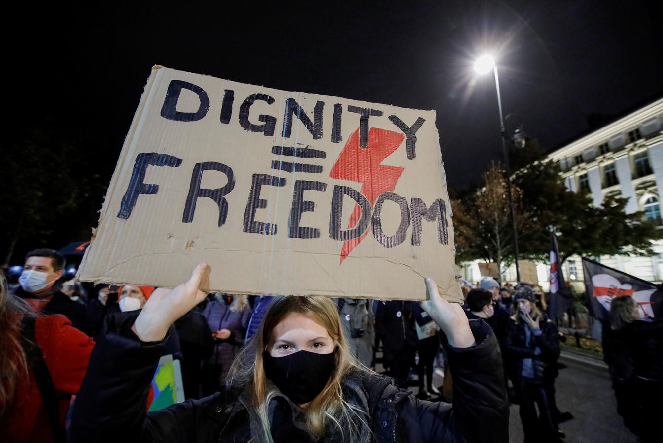 Illustration d'une manifestation contre cette loi en Pologne.
