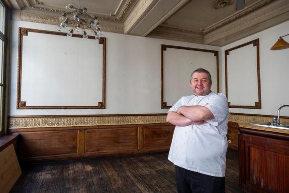 Uitbater Kim Schaerlaken in zijn nieuwe zaak Bulesque Restaurant & Bar.