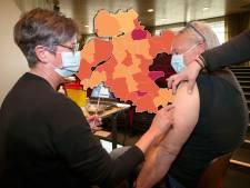KAART | Minder nieuwe coronabesmettingen, maar Staphorst en Zutphen schieten wel in het rood
