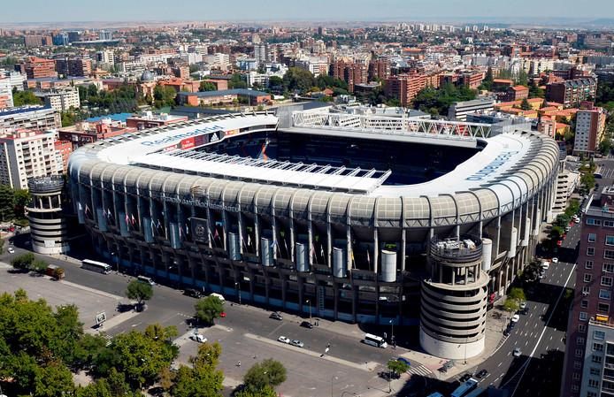 Estadio Santiago Bernabéu van Real Madrid, waar de Argentijnse rivalen River Plate en Boca Juniors elkaar op zondag 9 december zullen gaan treffen.