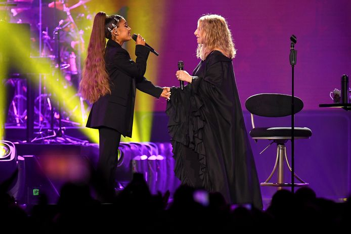Barbra Streisand en Ariana Grande zongen samen gisteravond.