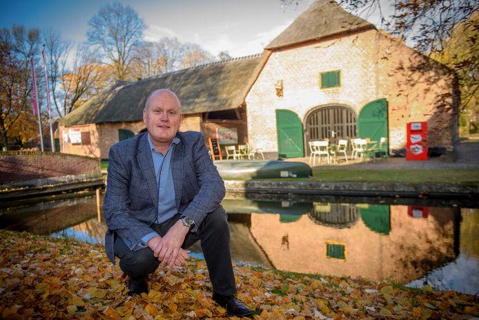Directeur Hans Sonnemans bij 't Oude Slot in Veldhoven.