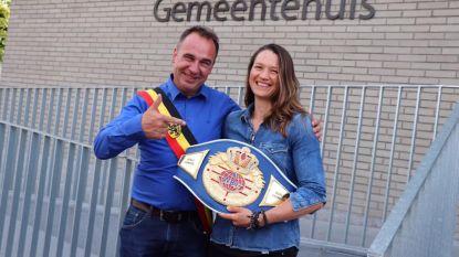 Bokskampioene wordt rechterhand burgemeester
