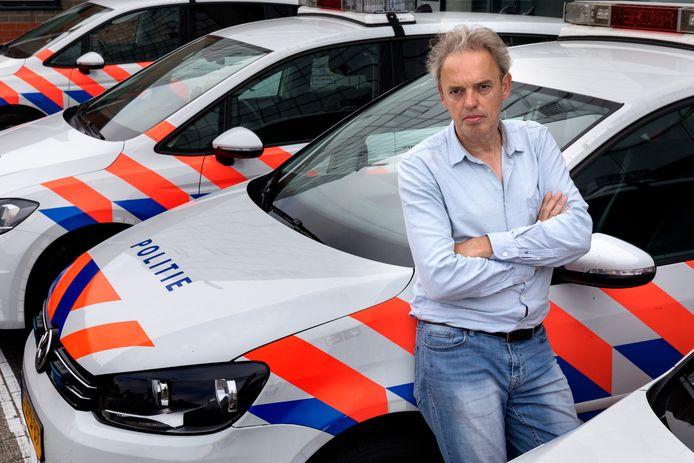 Columnist Eric Alink schrijft een aantal artikelen over de organisatie van de politie.
