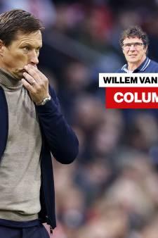 Column Willem van Hanegem | Bij PSV moeten ze niet gniffelen om ontslag Van Bommel, maar naar zichzelf kijken