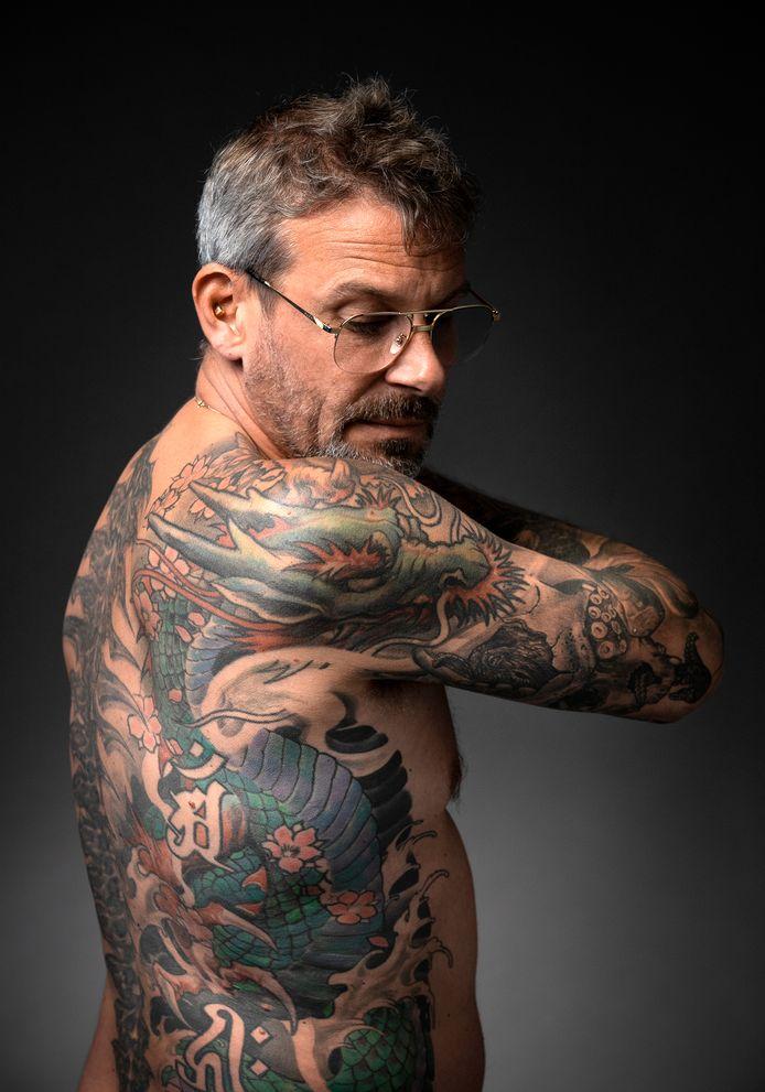 Ian Dijkstra, eigenaar van L'Extrémiste, een pierce- en tattooshop in de Arnhemse binnenstad. 'De klant is geen koning.'