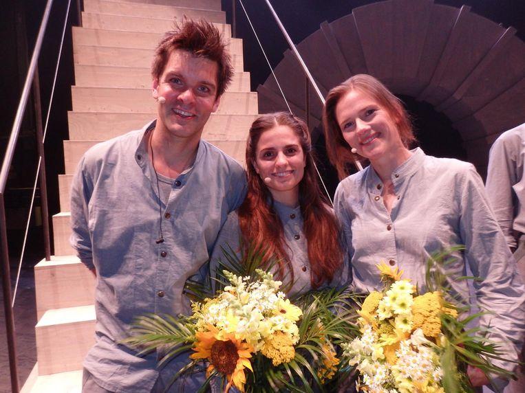 Nog meer hoofdrolspelers: Steyn de Leeuwe, Rosa da Silva en Margreet Boersbroek. In retro pauperoutfit Beeld Schuim