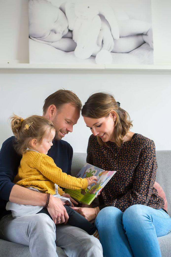 BREDA, Pix4Profs-Ron Magielse het echtpaar pieter en linda hebben hun eerste kindje gekregen via een draagmoeder. ze willen ook graag voor hun tweede kindje een draagmoeder.